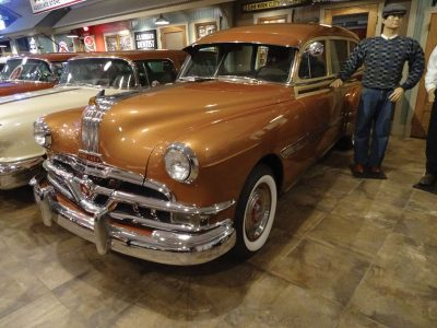 1952 Pontiac Woody Wagon 2